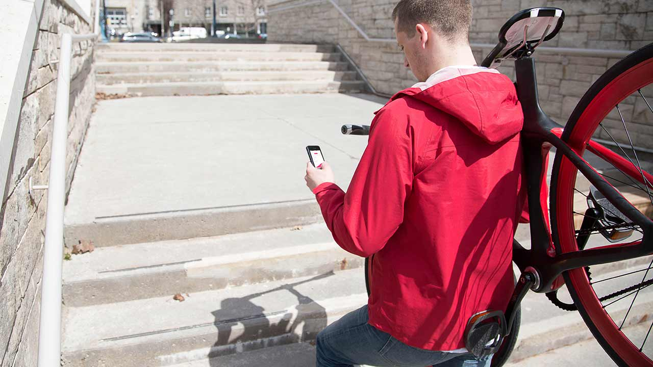 Vanhawks Valour подключён к смартфону
